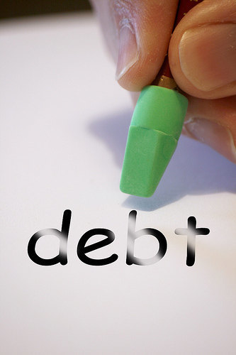 10 Reasons to Ditch the Credit Cards