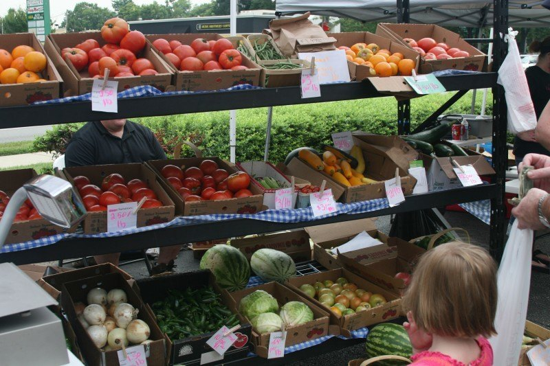 11 pro tips for shopping the spring farmers' market