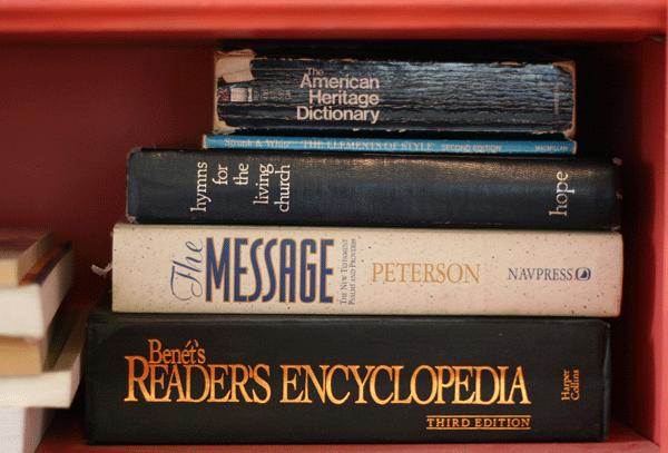 bookshelves-reference
