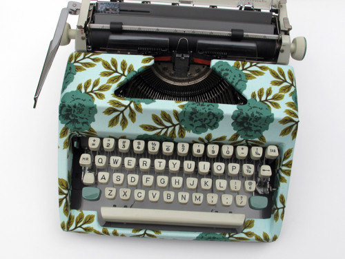 design sponge fabric-covered typewriter