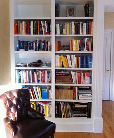Laura-Vanderkam-library-shelves-after