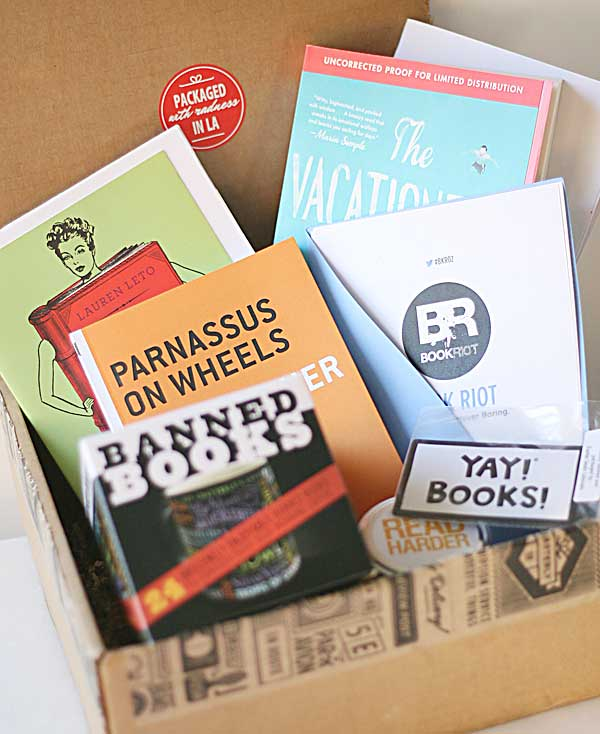 Unpacking more bookish fun with Quarterly's Book Riot #BKR02
