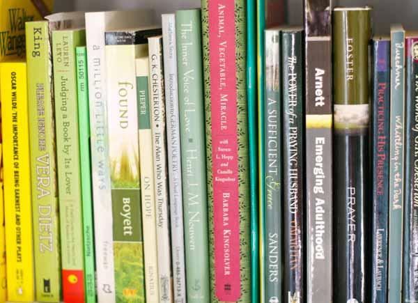 rainbow-bookshelves-6-green