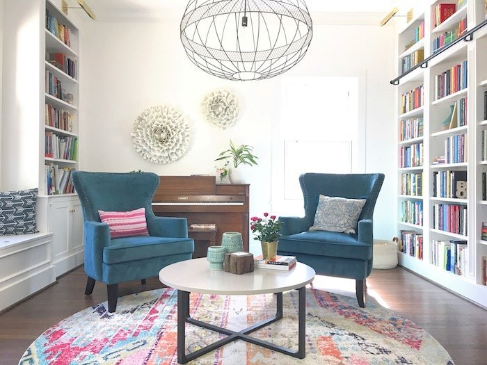 Stupendous What I Learned From Living With All White Walls For A Whole Theyellowbook Wood Chair Design Ideas Theyellowbookinfo