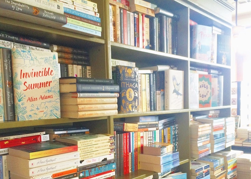 12 bookish mysteries about bibliophiles and bookstores