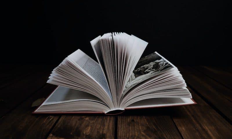 12 horror novels for wimps